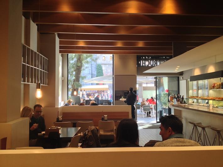 Cafè Restaurant Estruch, bon espresso amb vistes a la catedral