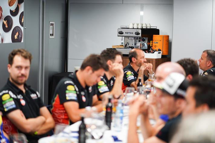 Café Saula, en el hospitality de los circuitos de moto GP y GT